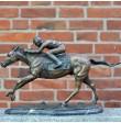 bronzeskulptur rennpferd